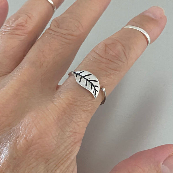 Sterling Silver Simple One Leaf Ring, Silver Rings, Tree Ring, Dainty Ring