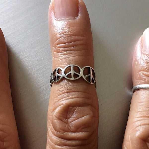 Sterling Silver Multiple Peace Sign Toe Ring