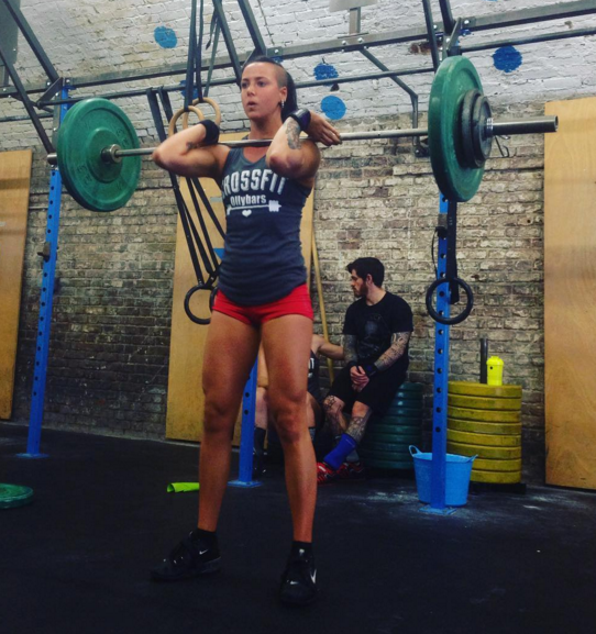 Crossfit Coach Elisa powered by Ollybars