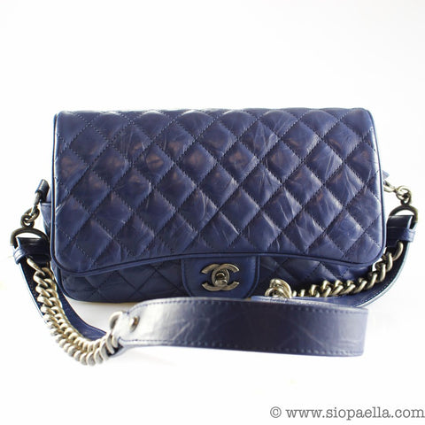 05c2fb9282ea In 2009, for example, a Chanel 2.55 would have set you back $2,695 (around  €2,400). A mere five years later, in 2014, that very same bag was retailing  at ...