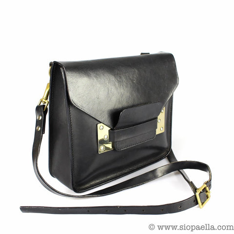 0f4a20b0c1a You would also fit your entire life in this bag so its perfect if you like  to carry a lot around with you like I do! Click HERE to check this one out   )