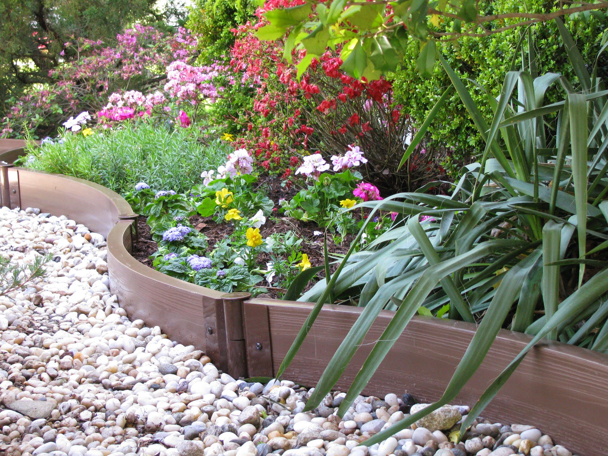 Frame It All Two Inch Series Landscaping Borders – Effective