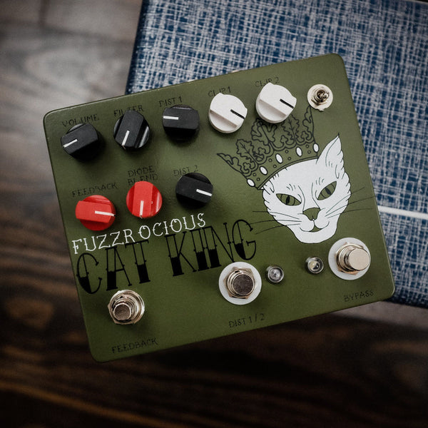 Fuzzrocious Cat King with Momentary Feedback [ Green ]