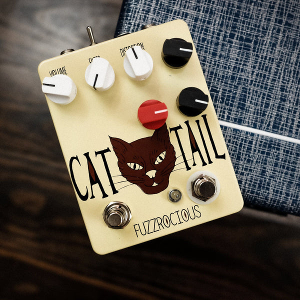Fuzzrocious Cat Tail with Momentary Feedback Mod [ Beige ]