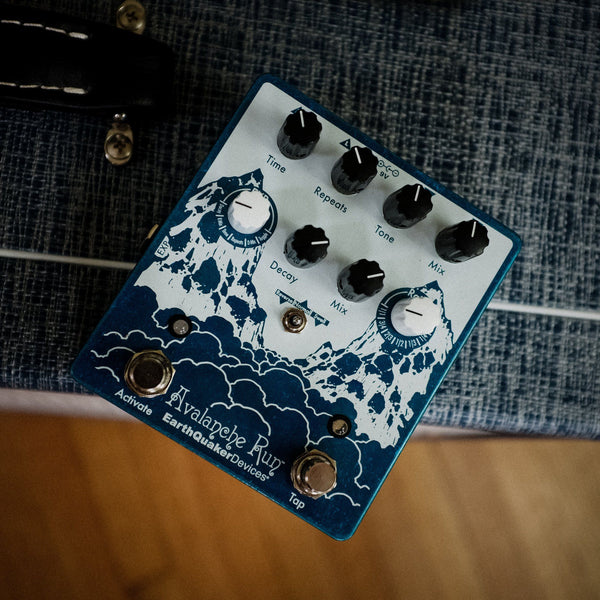 Earthquaker Devices Avalanche Run v2 [ Used ]