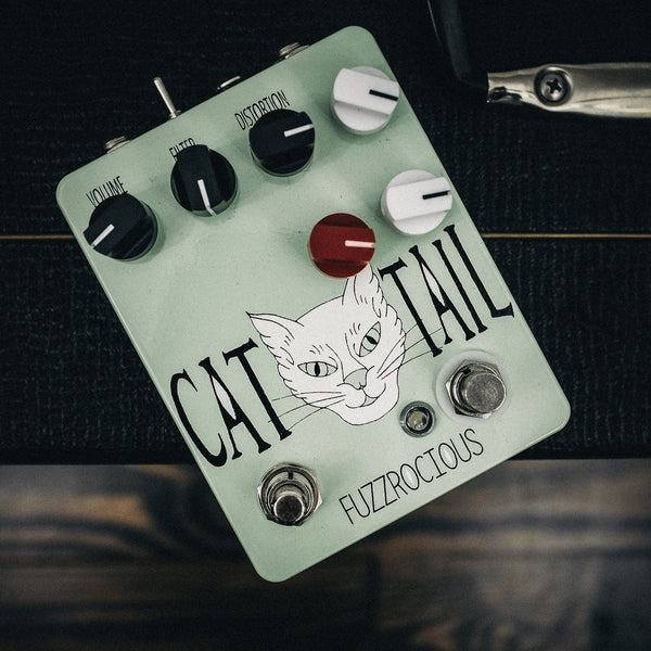 Fuzzrocious Cat Tail with Momentary Feedback Mod [ Mint ]
