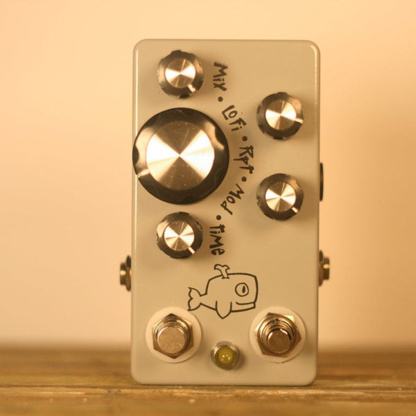 Rent Hungry Robot Pedals Moby Dick v2