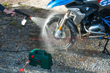 Bosch EasyAquatak 100 Portable High Pressure Washer (w/ 360° Adjustable Nozzle) - goldapextools