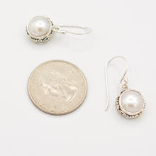 Load image into Gallery viewer, Sterling Silver Fresh Water Earrings