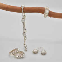 Load image into Gallery viewer, Sterling Silver Fresh Water Pearl Bracelet