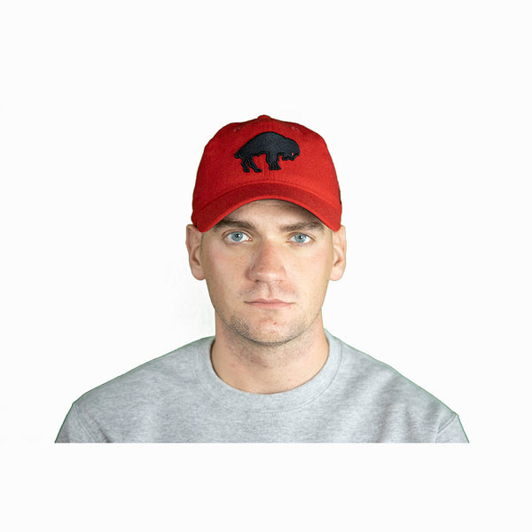 RED & BLACK THROWBACK BUFFALO BILLS ADJUSTABLE CAP