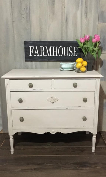 "Chalky Patina ""Farmhouse"""