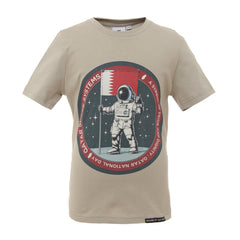 Qatari Man on the moon T-shirt