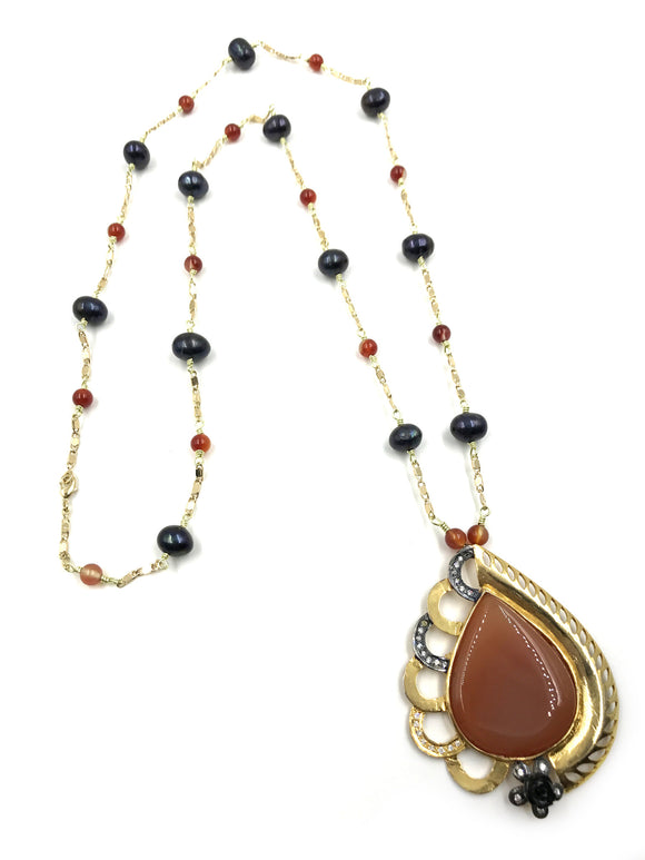 BLACK PEARL AND CARNELIAN NECKLACE