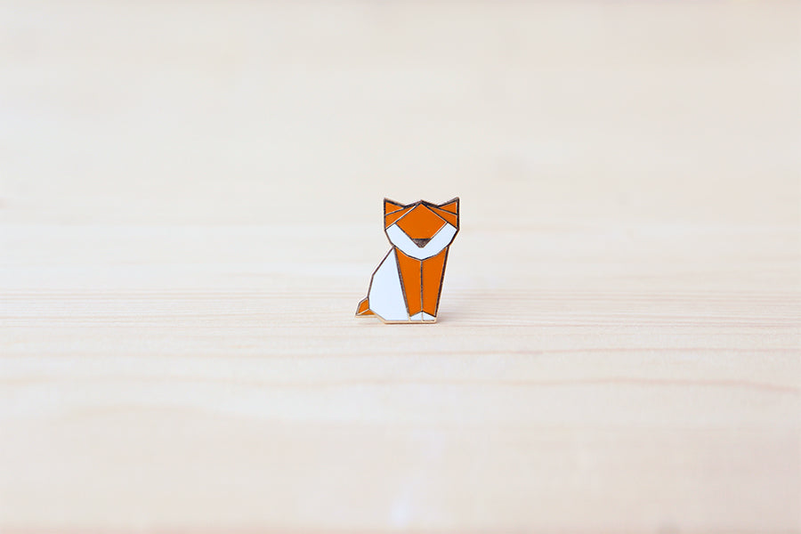 Kitten brooch