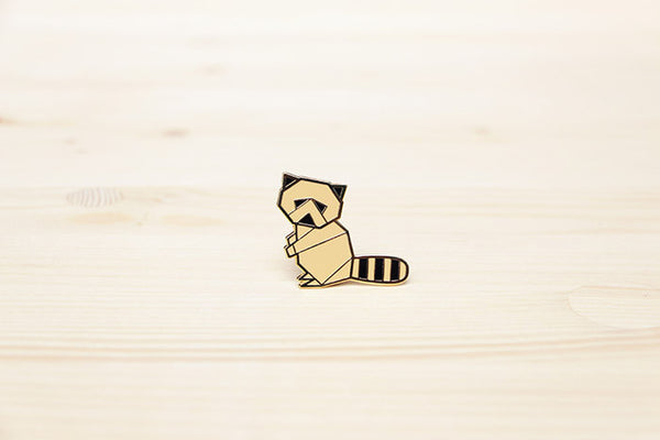 Raccoon brooch