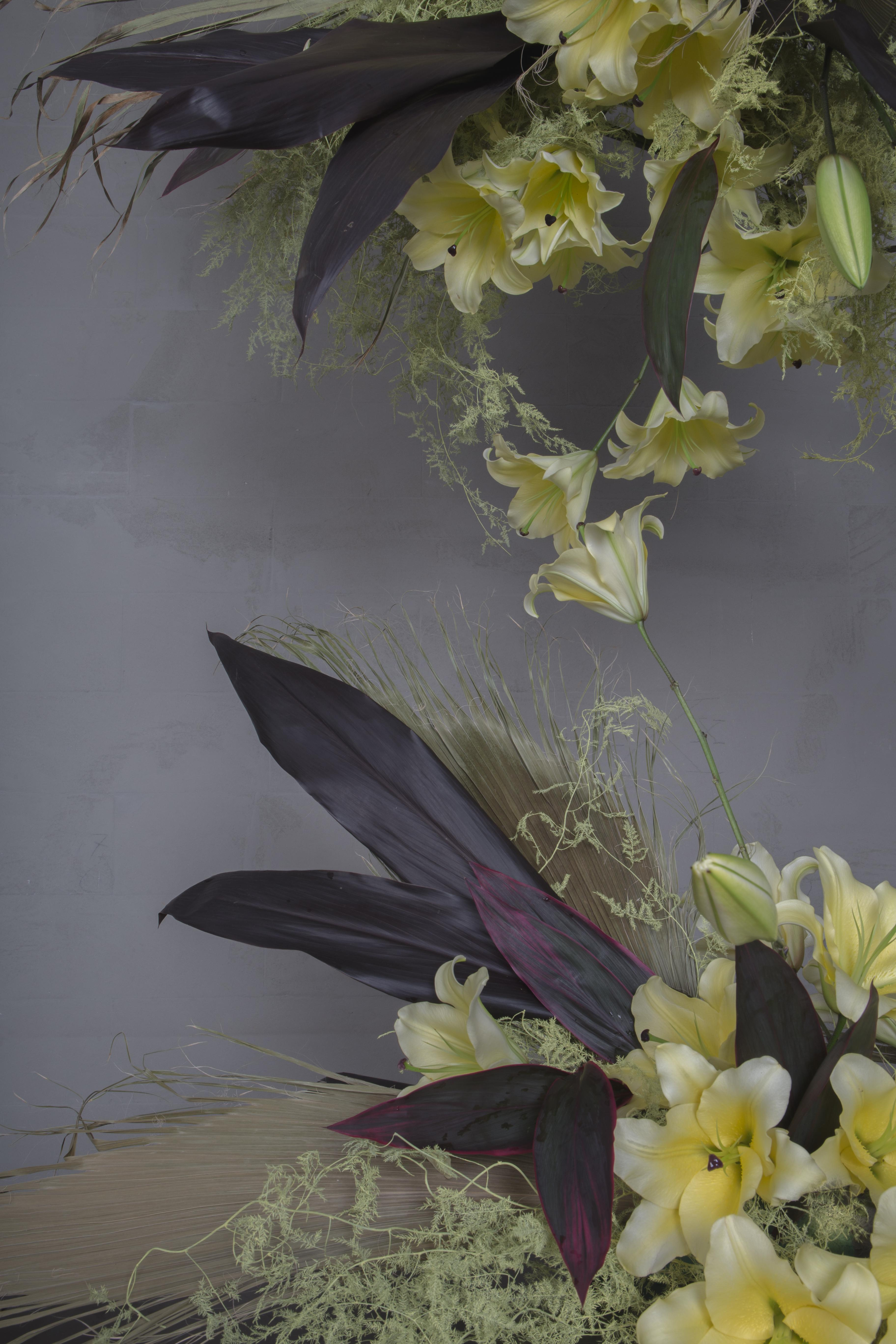 Finecut-weddings-collection-2019-muted-tones-with-dry-washingtonia-fan-palm-leaves-pastel-dyed-asparagus-fern-and-pale-yellow-asiatic-lilies-with-deep-red-cordyline-leaves