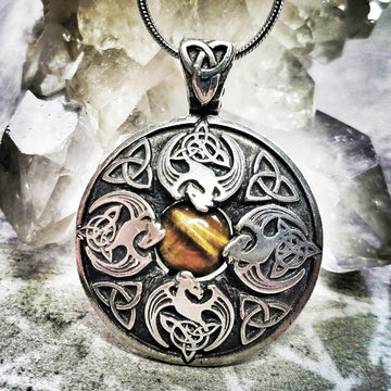 Celtic Knot Works Jewelry Courage Pendant
