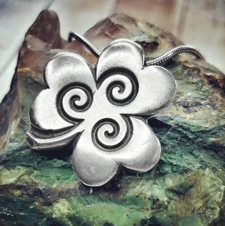 Celtic Knot Works Jewelry Shamrock  Pendant with Spirals – Celtic Traditions