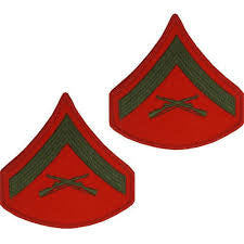 MARINE CORPS CHEVRON: LANCE CORPORAL - GREEN EMBROIDERED ON RED, MALE