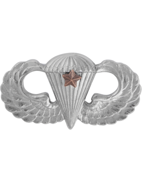 NO SHINE MINI PARACHUTIST WITH ONE COMBAT STAR PIN
