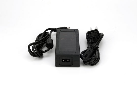 60W Desktop LED Power Supply 60W / 100-240V AC / 12V / 5A