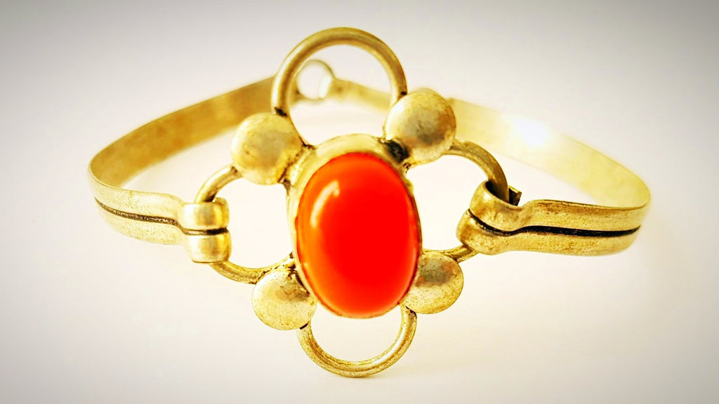 RN-818 Coral gemstone in silver, makes this tribal bracelet look trendy yet traditional!