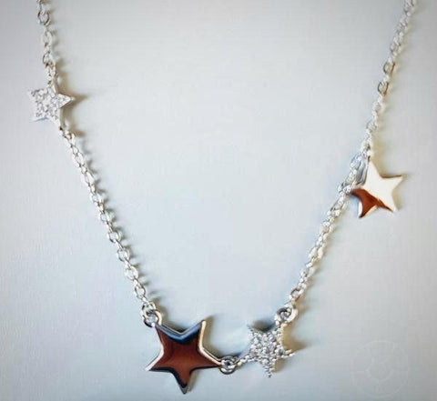 RN-831 Stars dangling from a chain, made in 925 silver, make this pretty everyday wear necklace