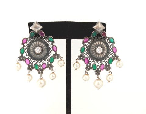 TR 56 -  Red & Green quartz with lustrous white pearls,make these beautiful German silver earrings a must have
