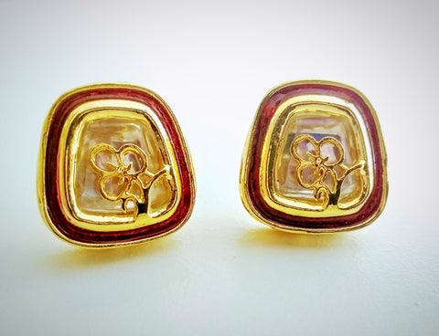 RV 480 Red enamel eartops with an intricate golden flower