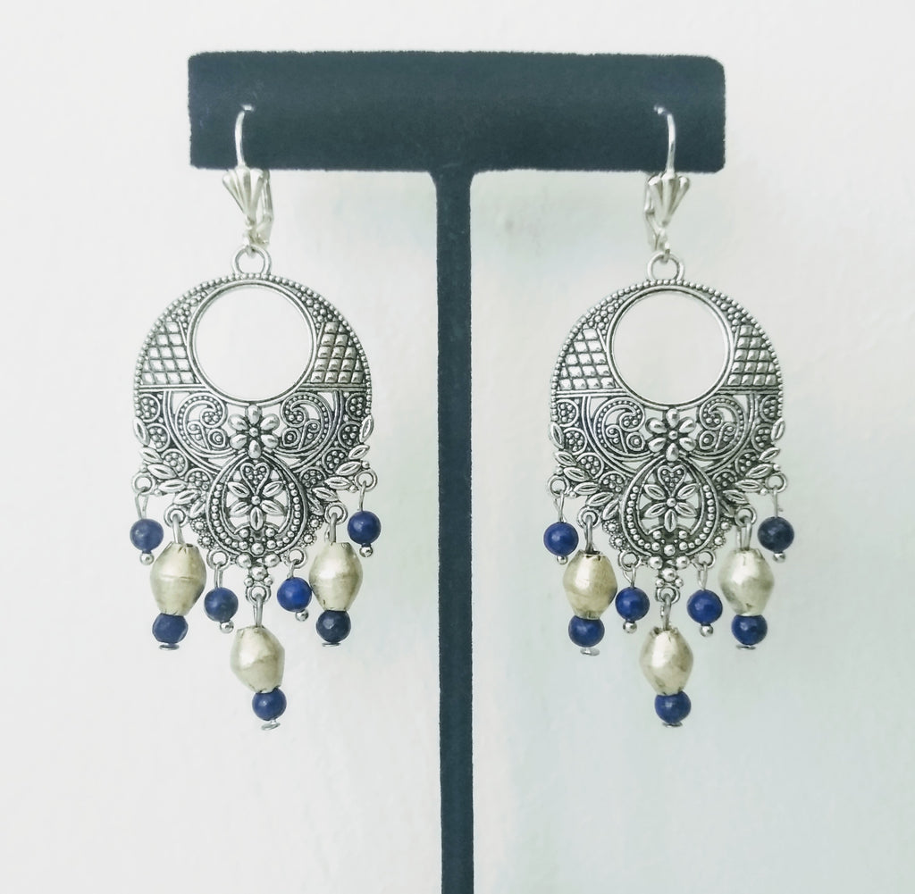 TR 18 Silver earrings with ethiopian silver beads and lapiz