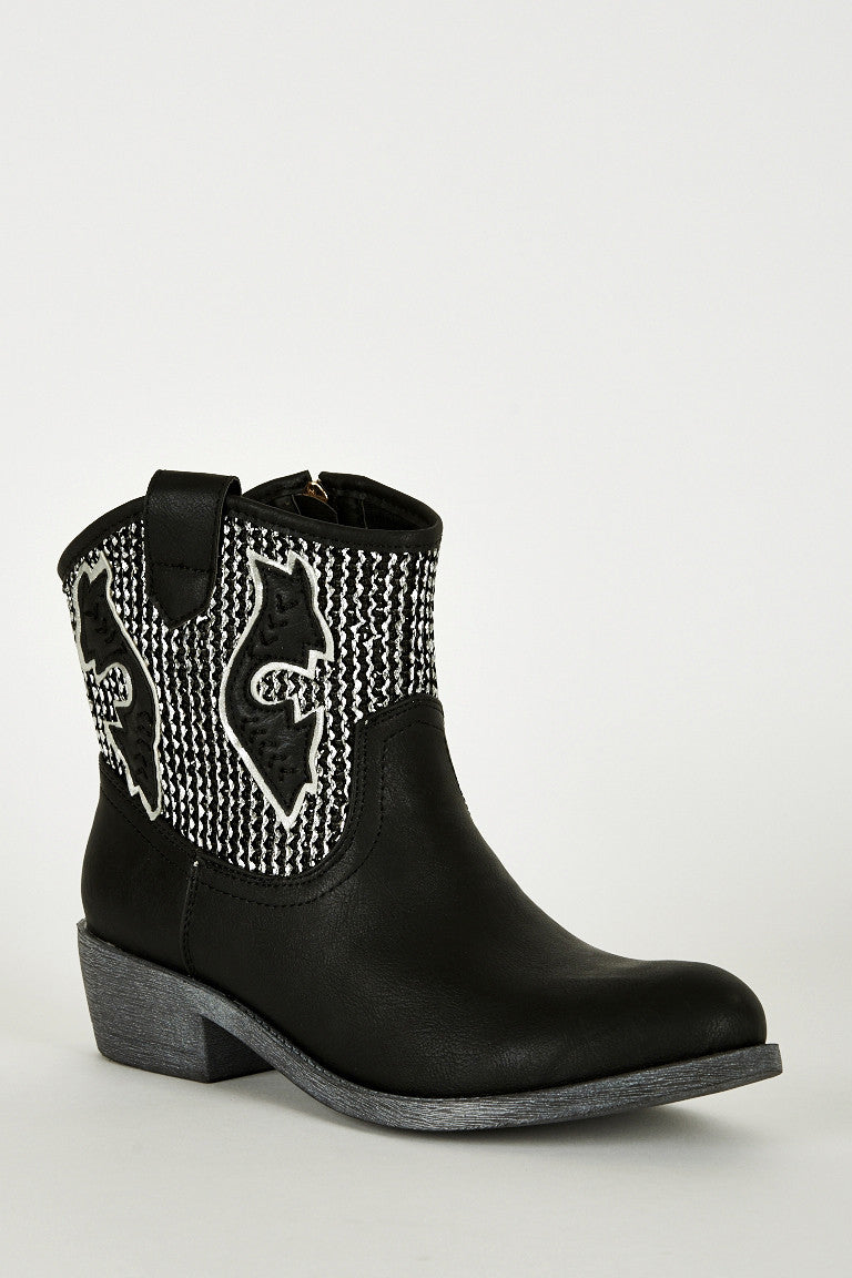 Ladies Textured Silver Leatherette Cowboy Boots In Black