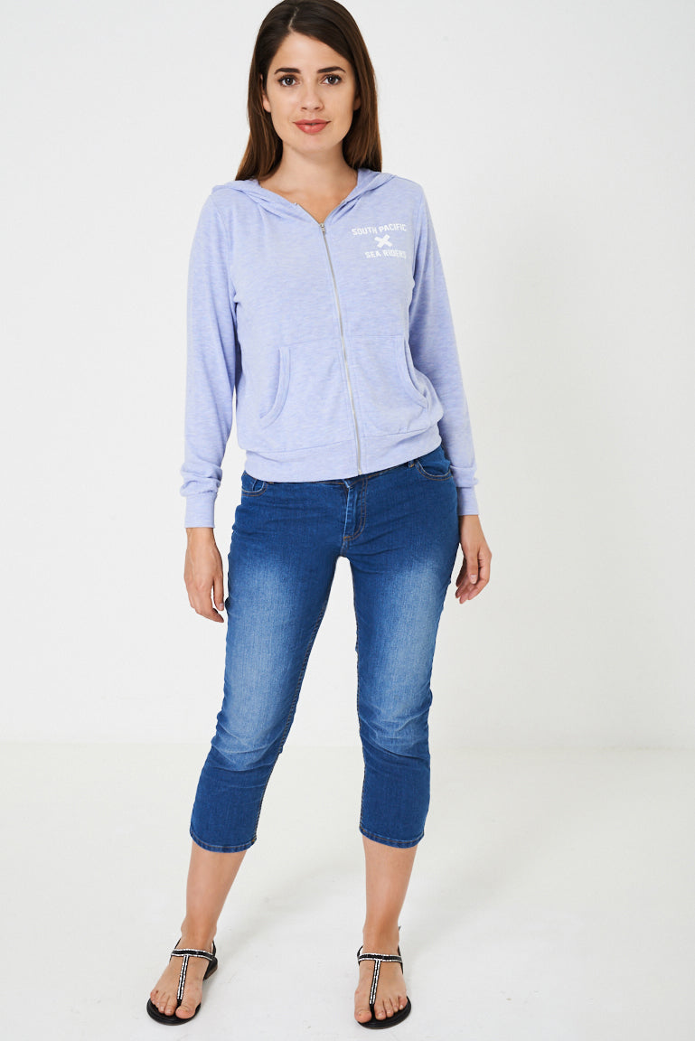 Ladies Crop Jeans in Washed Blue