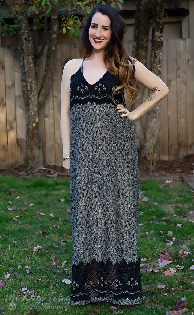 Classic Textured Lace In Black. Cotton Blend Woven Fabric. Designer End Bolt