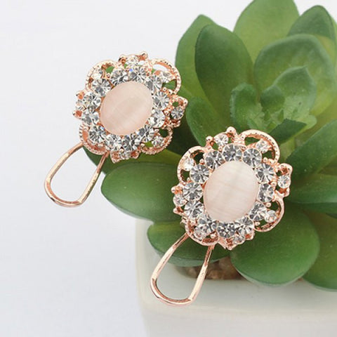 Chic Ellipse Shape Faux Gem Flower Earrings For Women   Ivory White
