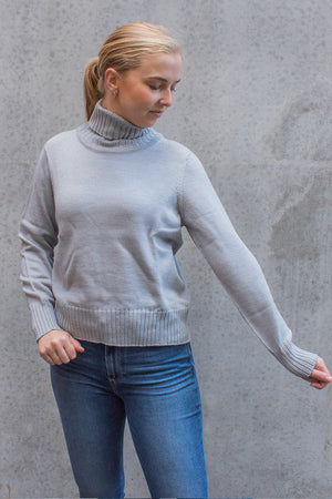 STANDARD ISSUE - CROP FUNNEL NECK JUMPER GREY