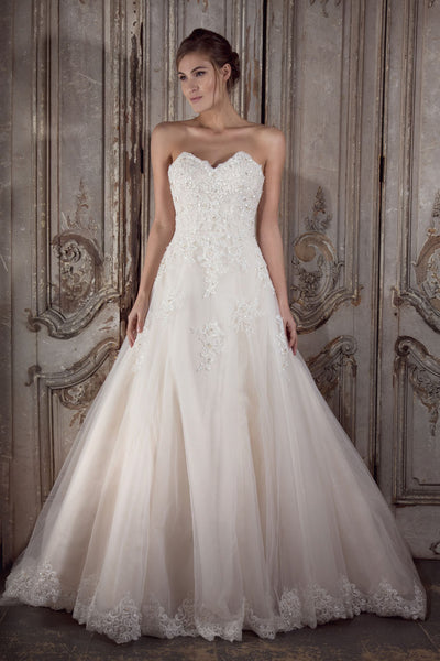 Jewel wedding gown by Donna Lee Brides