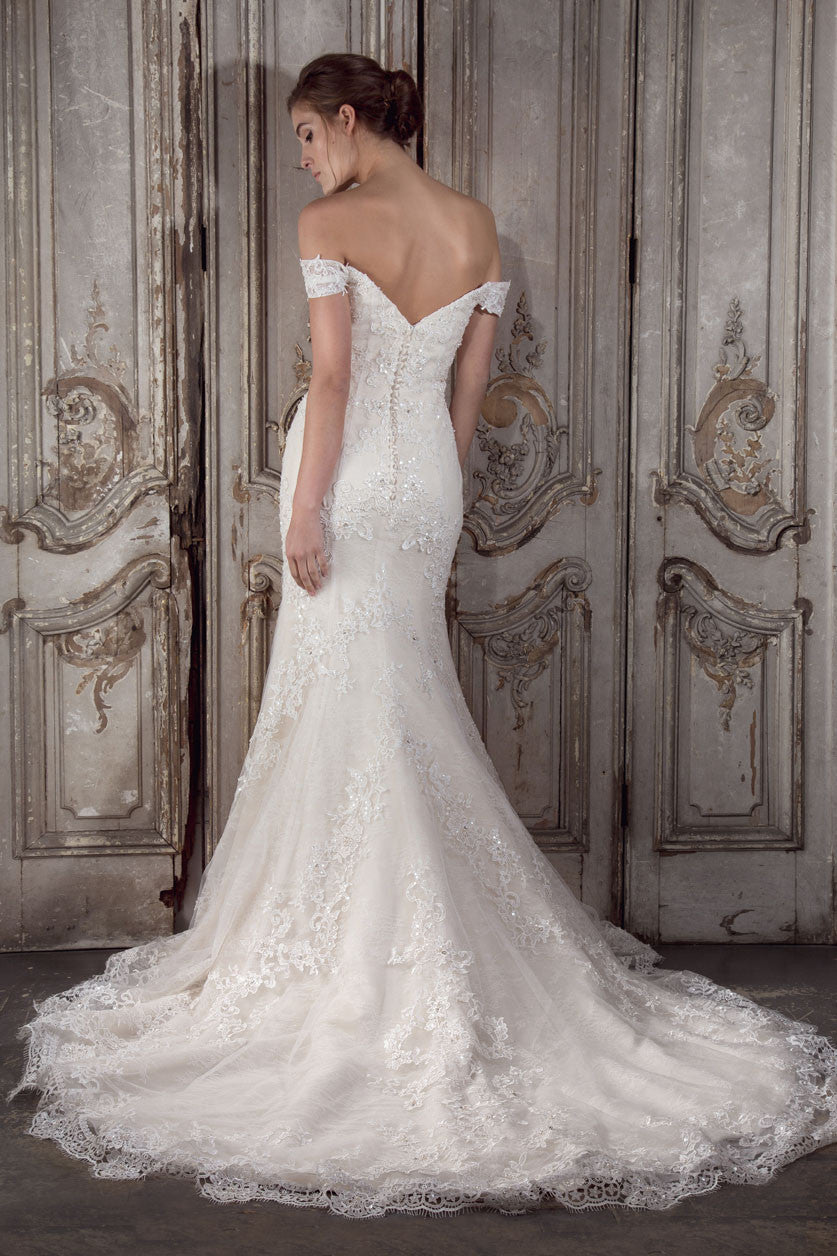 Anais wedding gown by Donna Lee Brides