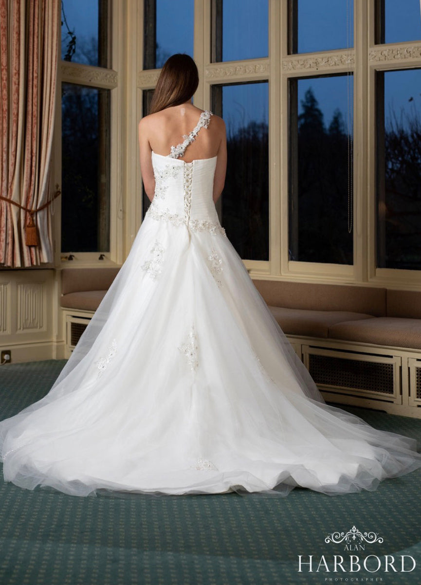 Ariana Wedding Dress