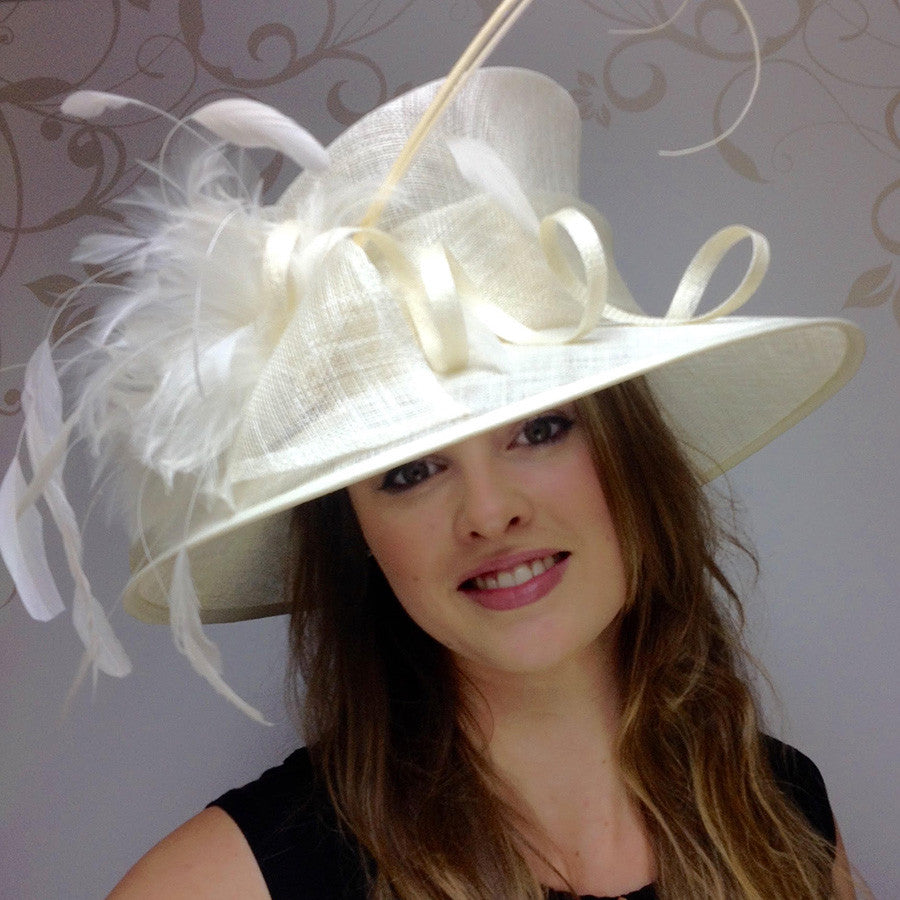 Elizabeth Hat in Ivory