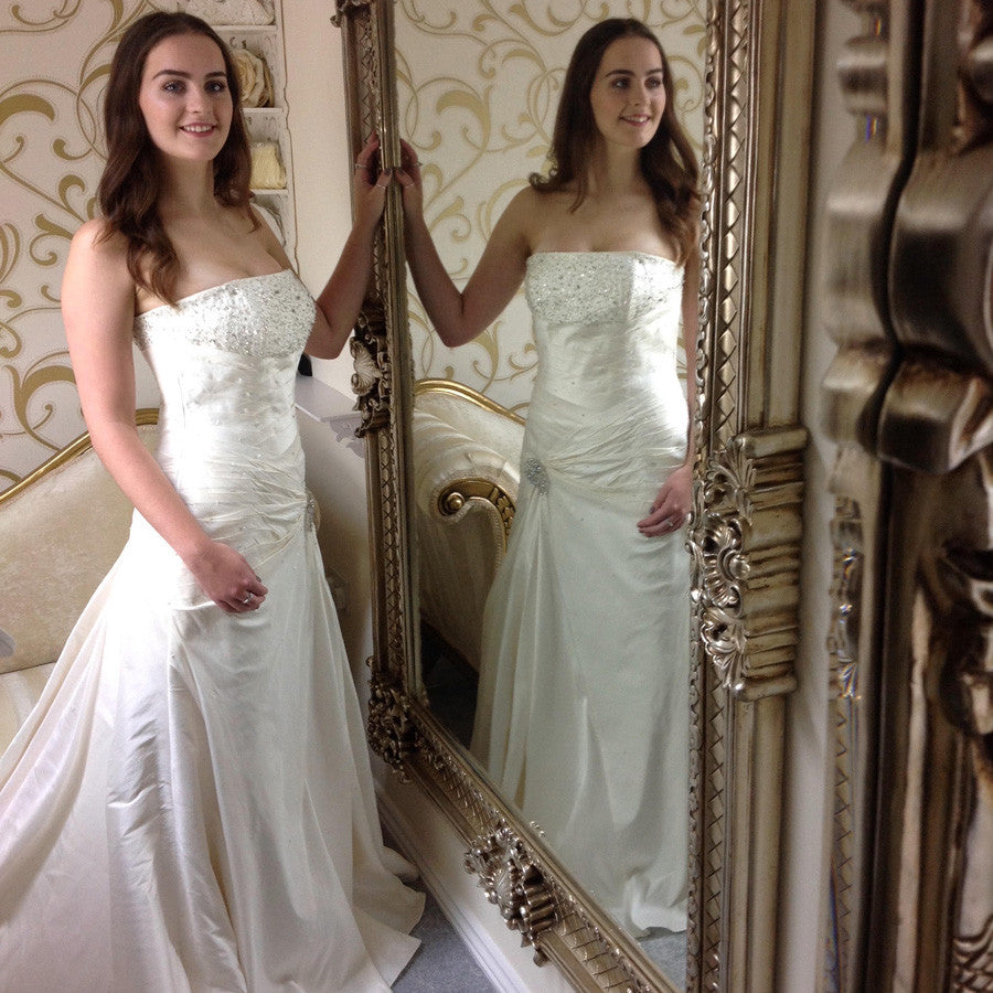 Pure Silk Justin Alexander wedding dress no. 8267