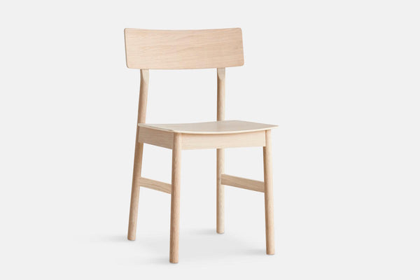 Capricho, Pause Dining Chair in Oak, WOUD Design