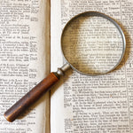 VINTAGE MAGNIFY GLASS