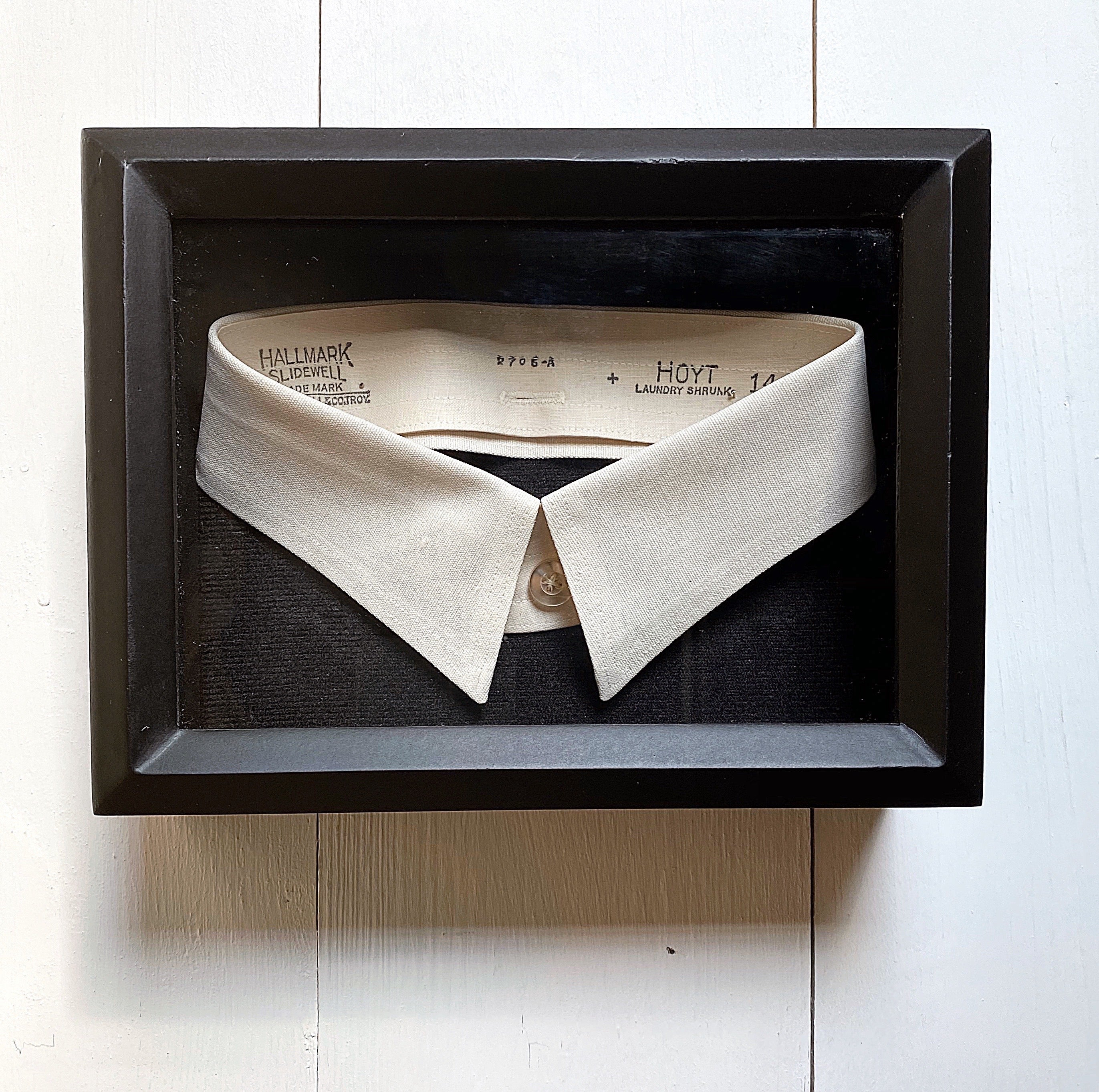 FRAMED ANTIQUE COLLAR