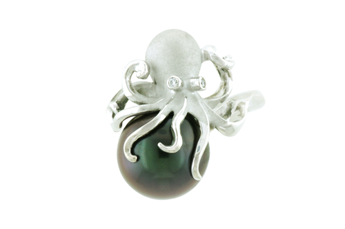 White Gold Octopus Pendant with Tahitian Peacock Pearl