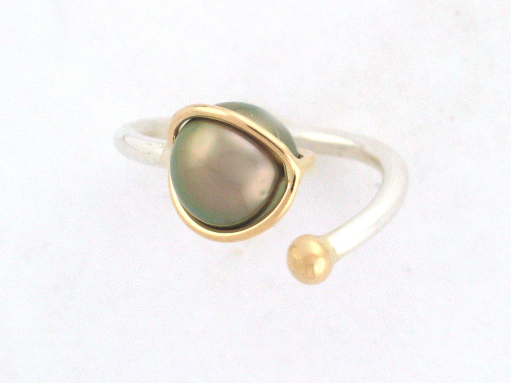Salt Water Cultured Tahitian Pearl Ring 1