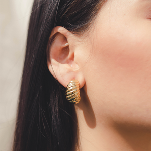 "The ""Grandma's Shell"" Earring"
