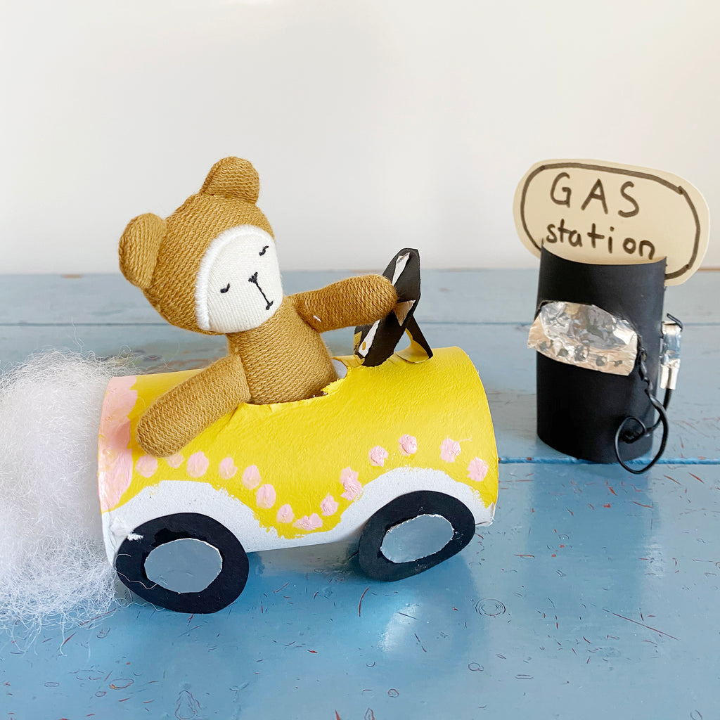 Bob the Bear's quirky old car