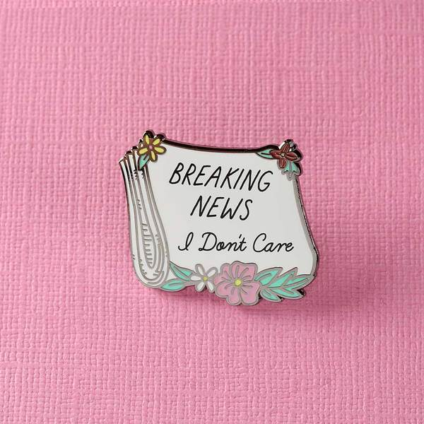Breaking News Pin