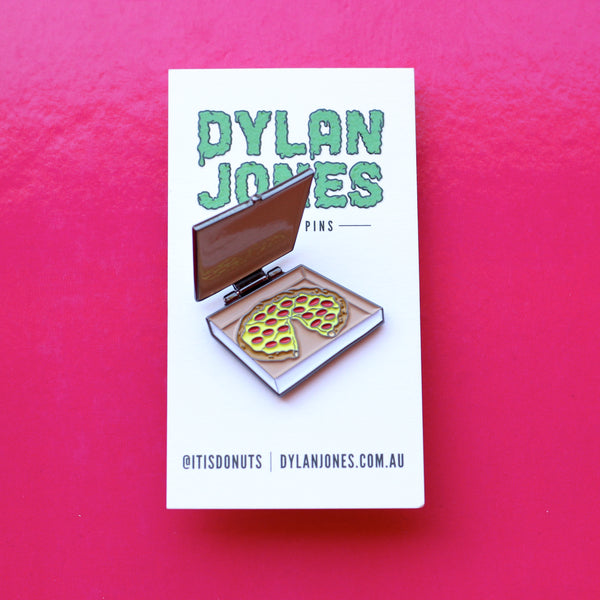 Pizza Box enamel pin. Lid opens and closes revealing a pizza.